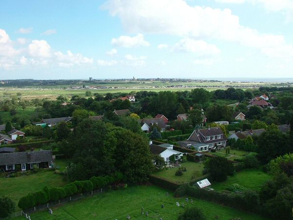 17: This view bring us back to Southwold. Looking North East across Walberswick with a wide angle view taking alomst the whole length of Southwold Harbour and Southwold Town in the distance. Stay with us for a more detailed look at the Blyth Valley from Bulcamp to Southwold in the next 16 views.